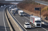 Daimler testet Platooning-Technologie in Japan